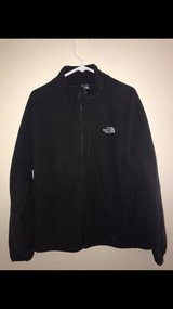EUC Men's The North Face Black Fleece Jacket With Windwall Lining Size XL in Tinley Park, Illinois