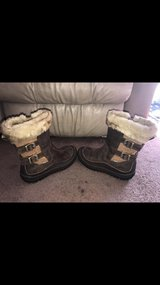 BNIB Women's Merrell Decora Chant Brown Sugar Boots Size 9M in Tinley Park, Illinois