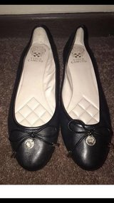 Worn One Time Vince Camuto Lunna Black Leather Flats Size 9 in Tinley Park, Illinois