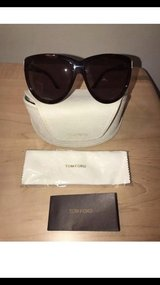 Brand New Authentic Women's Tom Ford Olympia Sunglasses in Tinley Park, Illinois