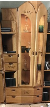 solid oak wood display cabinet in excellent condition in Spangdahlem, Germany
