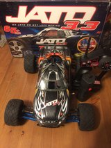 Modded rc truck with a bunch of extras in Tacoma, Washington