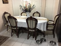 Quality dining room set in Denton, Texas