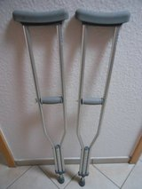 ADJUSTABLE CRUTCHES in Ramstein, Germany