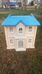 Little Tikes Playhouse in Pleasant View, Tennessee