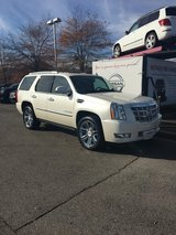 2014 Cadillac Escalade Platinum in Fort Campbell, Kentucky