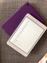 iPad mini - 32GB - SILVER - Excellent Condition + Bluetooth Keyboard Case in Okinawa, Japan