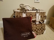 Coach Tote with wristlet in Fort Knox, Kentucky