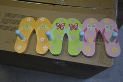 Flip flop wall deco with 4 pegs in Camp Lejeune, North Carolina