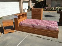Bedroom Set - LIKE NEW! in Yucca Valley, California