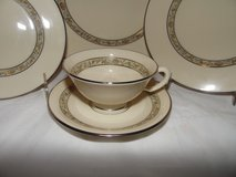 40 Piece Set Lenox China Springdale in Conroe, Texas