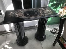 2 pedestal table in Shorewood, Illinois