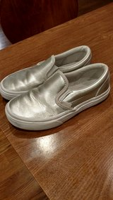 VANS Silver girls size 2 in Orland Park, Illinois