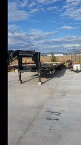 40 foot flatbed. dual tandem in Las Cruces, New Mexico
