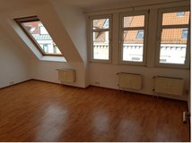 5 minutes to Königstrasse! Top floor apartment ready to move in! in Stuttgart, GE