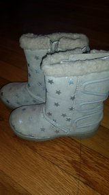 Carters Girls toddler boots size 8 in Fort Leonard Wood, Missouri