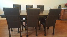 Dinning set - Table and 6 chairs in Schofield Barracks, Hawaii