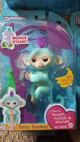 Fingerlings with stand - DON'T BUY THE FAKE ONES - GUARANTEED AUTHENTIC OR MONEY BACK ! ! ! in Warner Robins, Georgia