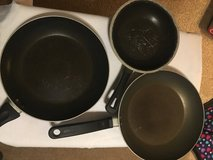 3 Nonstick Skillets (Used) in Fort Campbell, Kentucky