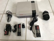 Nintendo Entertainment System Deluxe Gray Console with 4 controls in Camp Pendleton, California