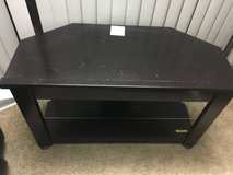 flat tv stand in Great Lakes, Illinois