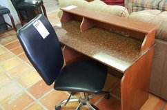 Nice student size desk and chair in Alamogordo, New Mexico