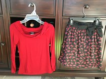 Girls Size 8-10 Holiday / Christmas Skirt Outfit (2 Pieces) in Glendale Heights, Illinois