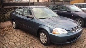 Honda Civic 4 Door Manual A/C New Service New Tires New TÜV !! in Ramstein, Germany