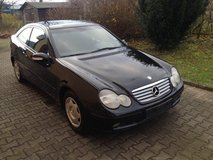 Mercedes C200 Cpe AUTOMATIC New TuV Navi Pano Roof A/C New Service in Ramstein, Germany