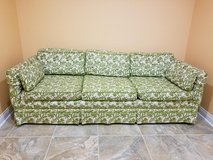 Custom made Thomasville Couch Great Condition, No rips or Stains, Pets Free. in Westmont, Illinois