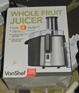 Vonshelf Whole Fruit Juicer - Brand New in Dover, Tennessee