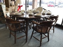 Table and 6 chairs in Bartlett, Illinois