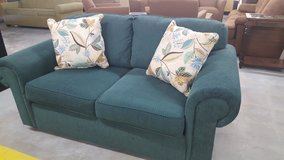 TEAL COUCH in Camp Lejeune, North Carolina