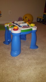 kids toy/ like new! in Quantico, Virginia