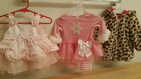Baby girl clothes 0-3 months in bookoo, US