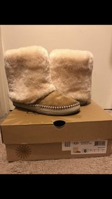 uggs size 6 in Vacaville, California