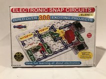 NEW Never Used Elenco Snap Circuit 300 Electricity Set COMPLETE in Shorewood, Illinois