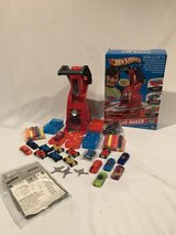 HOT WHEELS CAR MAKER NEW with EXRAS + Bonus COMPLETE in Shorewood, Illinois