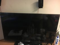 "Xbox one with controller and 43"" tv in Grafenwoehr, GE"