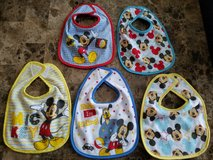 BRAND NEW! 5 Mickey Bibs in Fort Campbell, Kentucky