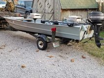 14foot jon boat with9.9 motor and trolling motor in Fort Leonard Wood, Missouri