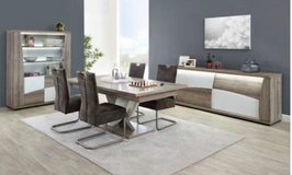 United Furniture-Kasimir Dining Set with SPECIAL Table with Center Leg including delivery in Ansbach, Germany