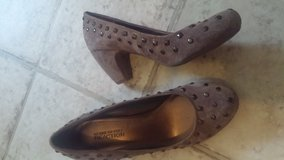 Kenneth Cole Reaction Pumps Size 6 in Fort Campbell, Kentucky