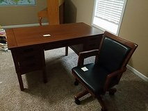 Ashley storage leg desk & chair in Fort Campbell, Kentucky