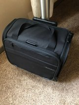 Briggs & Riley carry on suit case in Alamogordo, New Mexico
