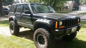 1999 Jeep Cherokee Sport in Glendale Heights, Illinois
