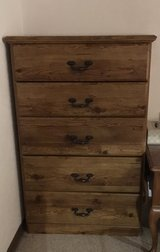 Dresser - 5 drawers - Needs to go by Sunday! - PENDING pick up in Stuttgart, GE