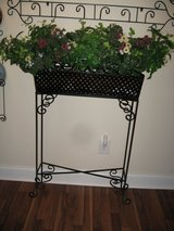 wrought iron planter stand in Perry, Georgia