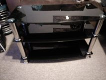Tv unit black glass and chrome £20 in Lakenheath, UK