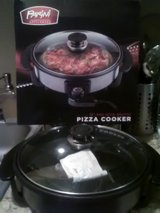 Pizza Cooker/New in Fort Polk, Louisiana